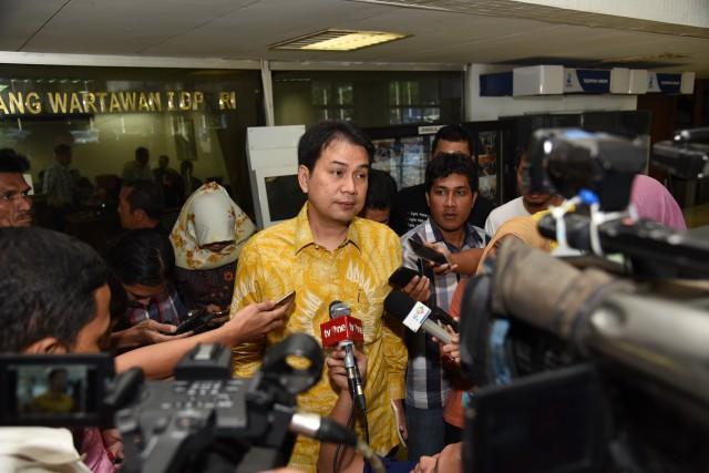 Azis Syamsuddin Soroti Rendahnya Realisasi Vaksin COVID-19 Untuk Lansia