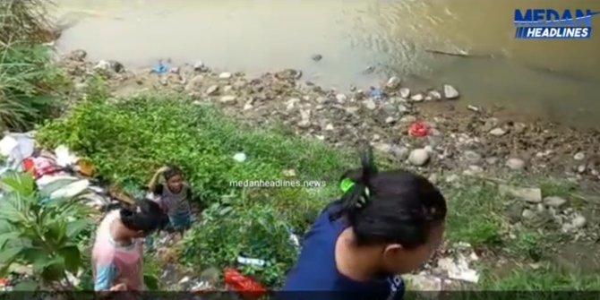 Wagubsu Musa Rajekshah Santuni Korban Tsunami Aceh Yang Tinggal di Kolong Jembatan Sungai Deli