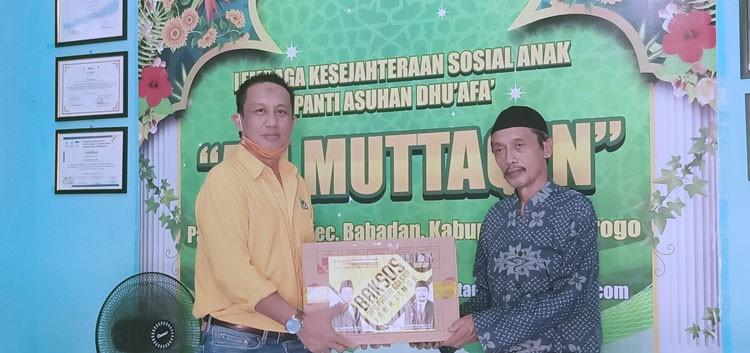 Rahmat Taufik Pimpin Golkar Ponorogo Serahkan Bantuan APD ke RSUD dr Harjono