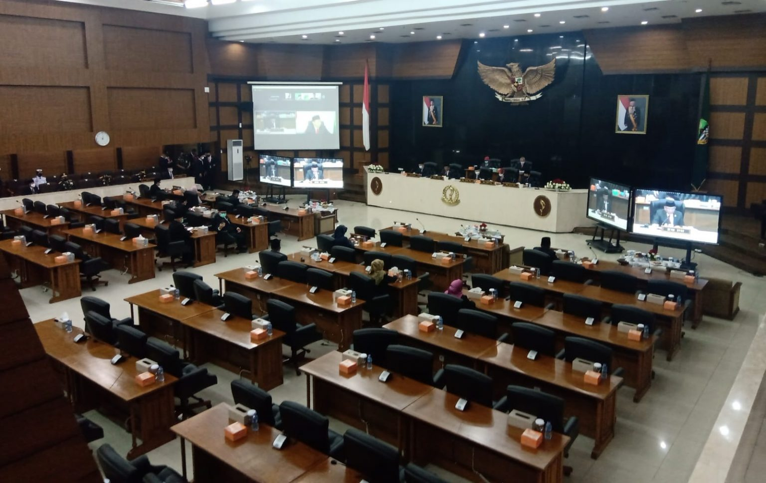 Ade Barkah Resmi Dicopot Dari Jabatan Wakil Ketua DPRD Jabar, Digantikan Ade Ginanjar