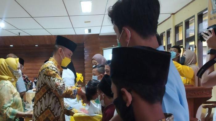 Edwin Senjaya Resmikan Masjid Al-Muhajirin di Lingkungan Sekretariat Golkar Kota Bandung