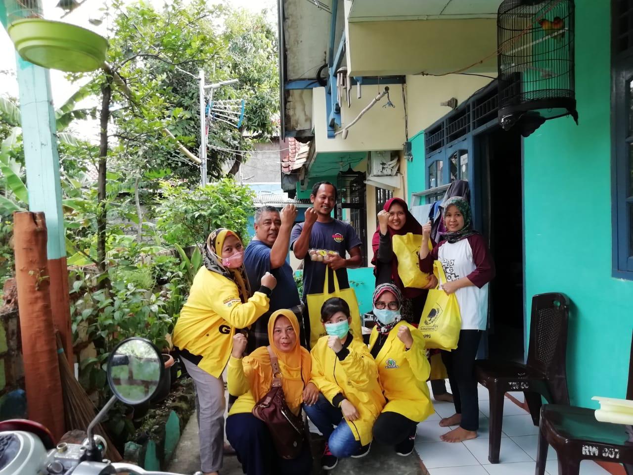 Jumat Berbagi, KPPG Kota Bogor Tebar 100 Paket Sembako Untuk Warga Panaragan