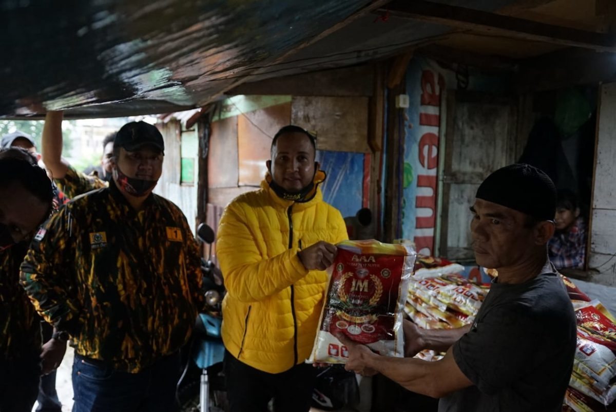 Golkar dan AMPG Kota Palembang Salurkan Bantuan Untuk Warga Sei Pangeran Terdampak COVID-19
