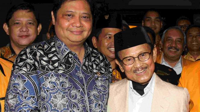 PWI Anugerahi BJ Habibie Bapak Kemerdekaan Pers Indonesia