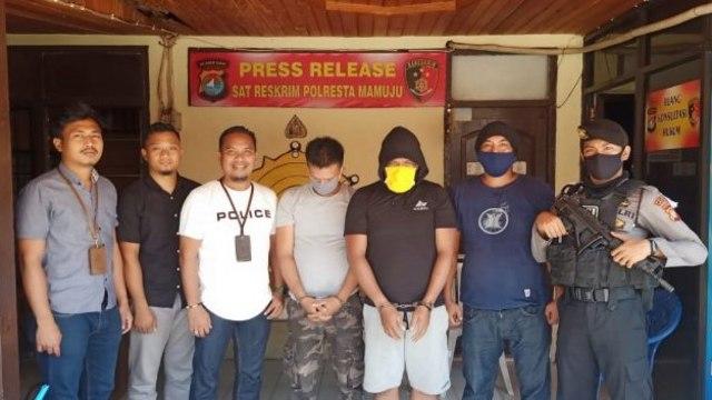 Dua Pelaku Penganiayaan Sekretaris Golkar Majene Serahkan Diri ke Polisi