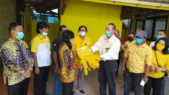 Anton Lami Suhadi Serahkan Ratusan APD dan Ribuan Sabun Untuk Semua Puskesmas di Sragen