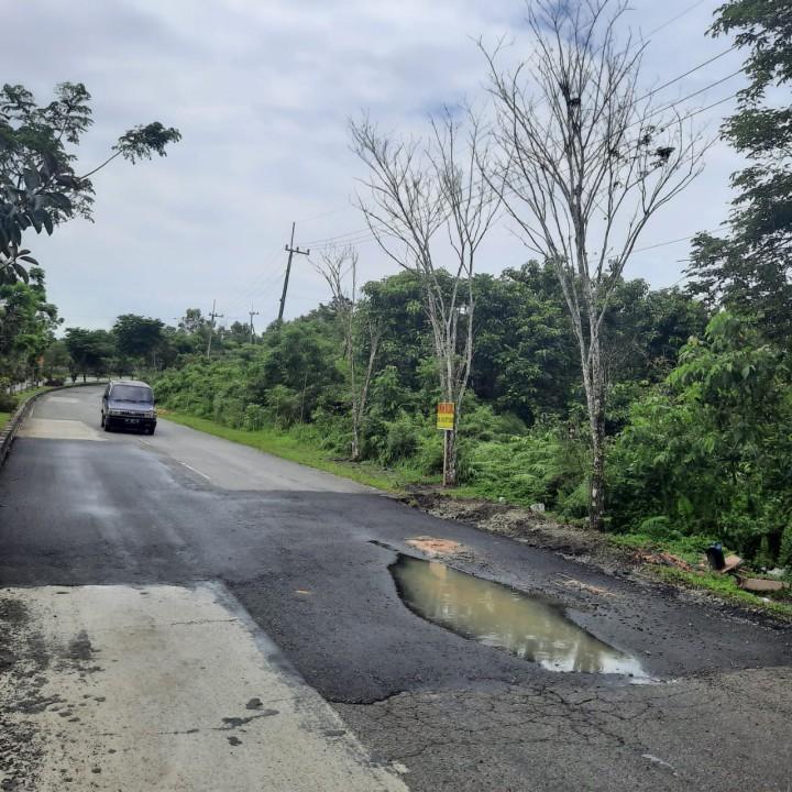 Aspal Bontang Lestari Mengelupas, Nursalam Ingatkan Pemkot Jangan Kambing Hitamkan Kendaraan Berat Saja