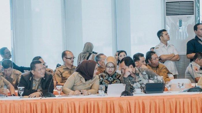 Fotonya Diapit Walikota Bogor dan Bupati Karawang, Ini Penjelasan Airin Rachmi Diany