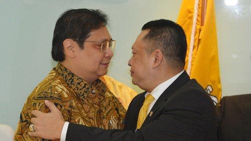 Terpilih Jadi Ketua MPR, Bamsoet Peluk Airlangga dan Ucapkan Terima Kasih