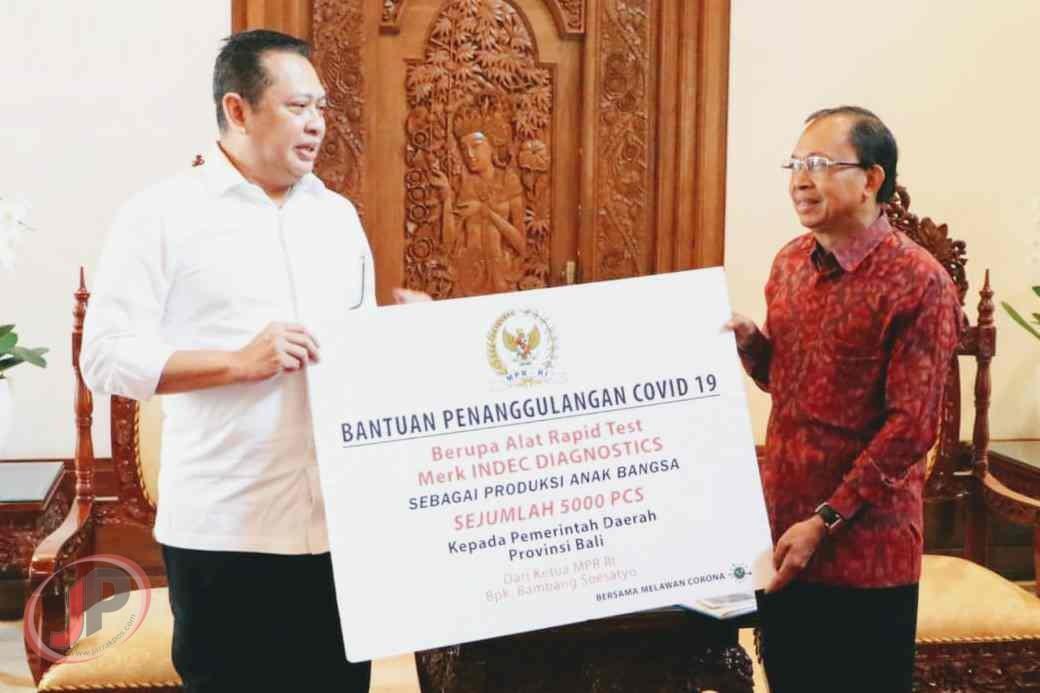 Bamsoet Serahkan 5 Ribu Alat Rapid Test Untuk Pemprov Bali