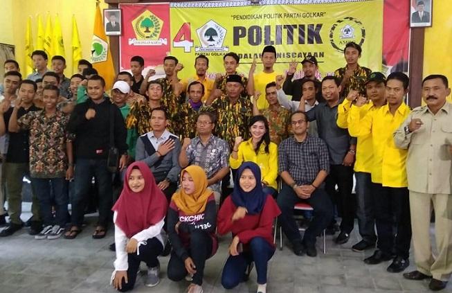 Dina Hidayana Gelar Pendidikan Politik Bagi Pemilih Pemula di Sukoharjo