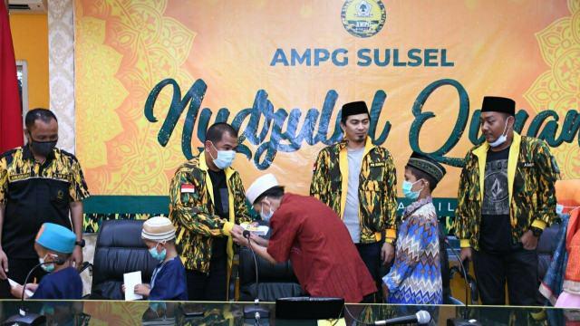 Peringati Nuzulul Qur'an, AMPG Sulsel Berbagi Paket Cinta Untuk Masyarakat Kota Makassar