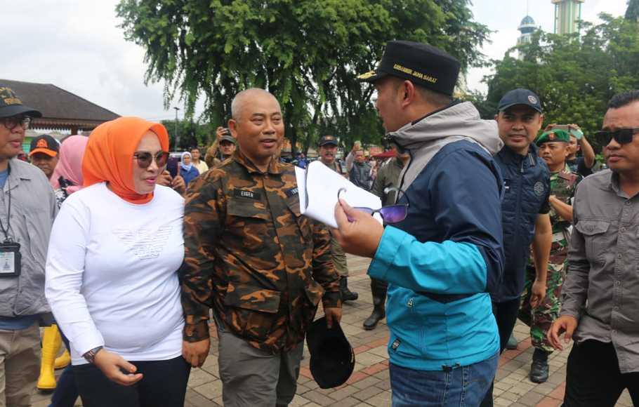 Tak Ada Hujan Lebat, Walikota Rahmat Effendi Sebut Banjir Bekasi Kiriman Dari Bogor