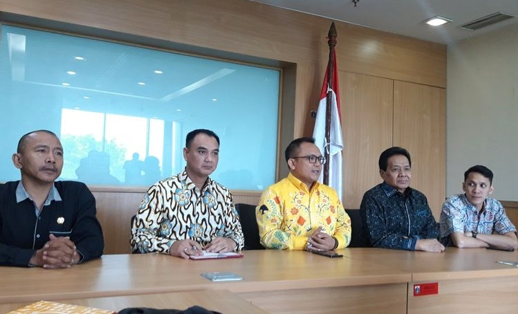 Tak Selaras Dengan Sikap DPP, Fraksi Golkar DPRD DKI Dukung Anies Tarik Rem Darurat