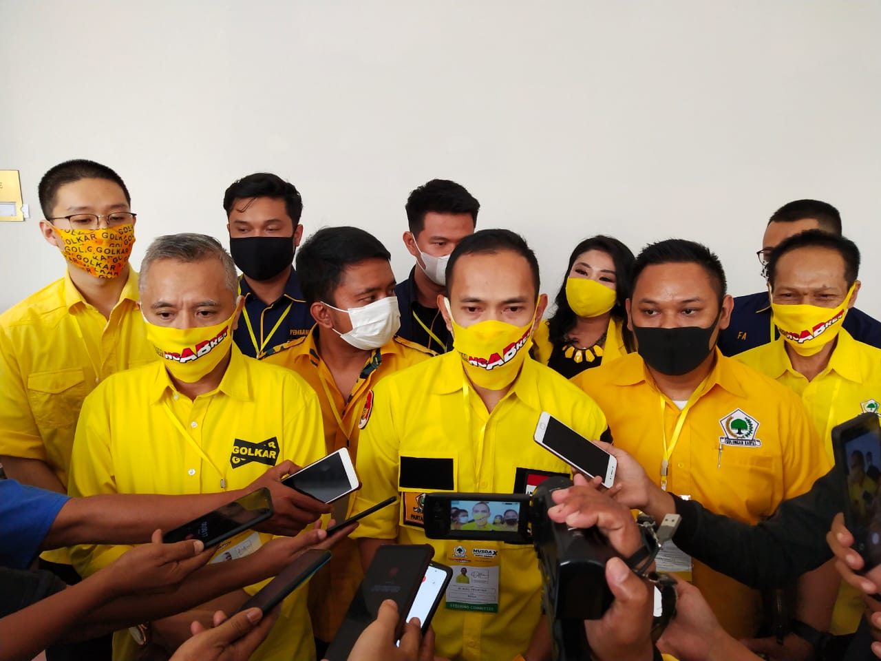 Golkar Bagikan Seribu Paket Takjil dan Sahur di Kota Bogor