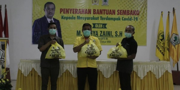 Ringankan Beban Masyarakat di Dapil Jatim III, Yahya Zaini Bagikan Ribuan Paket Sembako