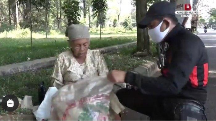 Kisah Haru Nenek Pengumpul Botol Plastik Bekas Bikin Dedi Mulyadi Langsung Bedah Rumahnya