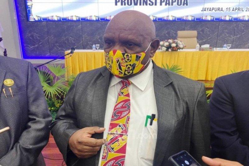 Wakil Gubernur Papua Klemen Tinal Meninggal Dunia