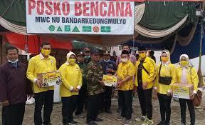 Sarmuji Pimpin Golkar Jatim Serahkan Aneka Bantuan, Warga Jombang Korban Banjir: Hidup Golkar!
