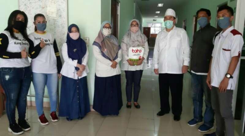 Ketua Umum MDI Salurkan Bantuan 100 APD Bagi Tenaga Medis di Kabupaten Bandung
