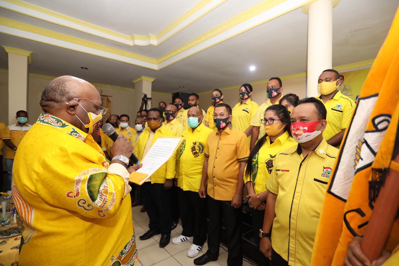 Pengurus Golkar Papua Dikukuhkan, Klemen Tinal Targetkan Sapu Bersih 11 Pilkada Serentak