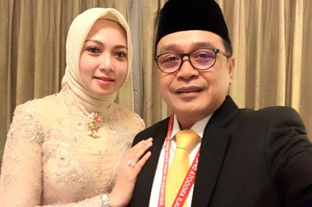 Jadi Imam dan Khatib Idul Fitri Di Depan Istri dan Anak, Supriansa Sempat Kikuk