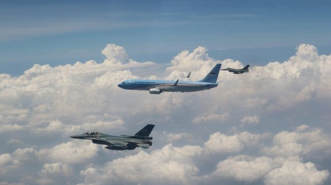 Pesawatnya Dikawal 2 Jet Tempur F-16, Jusuf Kalla Merasa Bangga