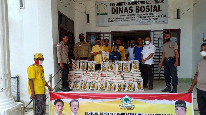 Ilham Pangestu Serahkan 500 Kg Beras Untuk Warga Korban Banjir di Aceh Timur