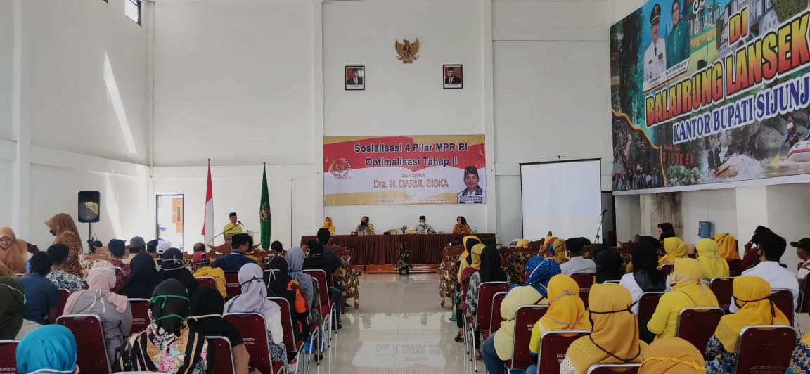 Didampingi Arrival Boy, Darul Siska Sosialisasi Empat Pilar MPR di Sijunjung
