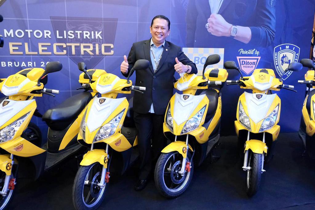 Bamsoet Perkenalkan Motor Listrik Murah, BS Elektrik Seharga Rp.10 Jutaan