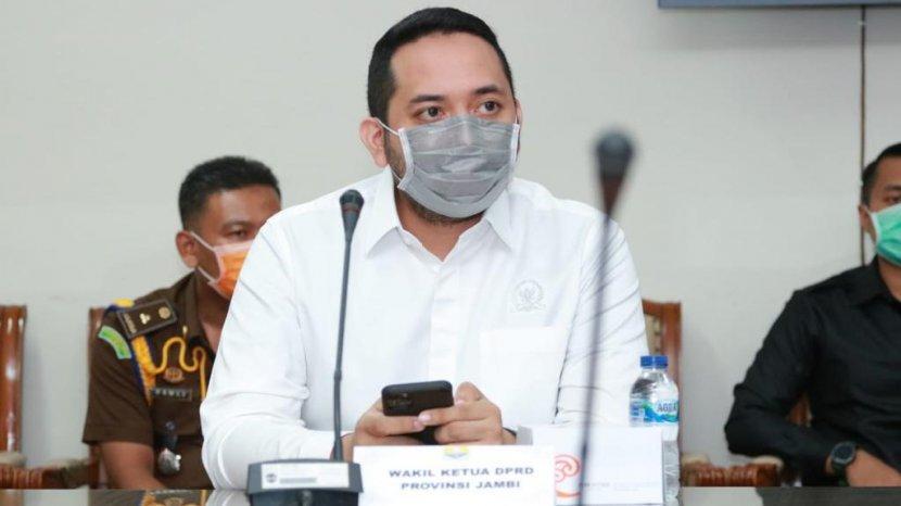Pinto Jaya Negara Bagikan Suplemen dan Vitamin Konsentrat Untuk Tim Medis di Kota Bangko