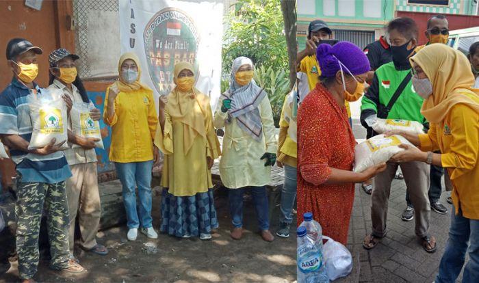 KPPG dan Alhidayah Bagikan Ratusan Paket Sembako ke Warga Jombang Terdampak COVID-19