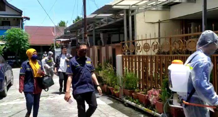 AMPI Semprot Pemukiman Warga Kota Makassar Dengan Disinfektan